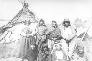 1886_FortChimoVisitors_JRH